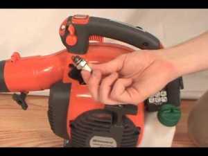 husqvarna spark plug removal